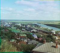 Вид на железнодорожный путь, город, р. Клязьму и пойменные луга.